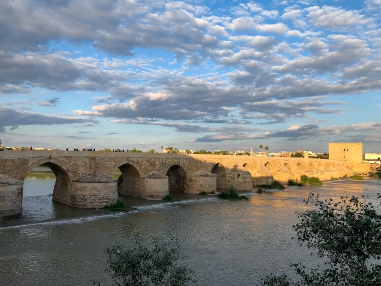 Puente Romano view with river