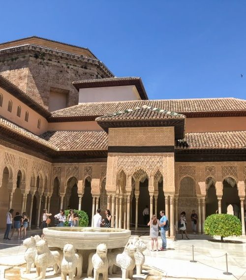 beautiful architecture in Alhambra palace