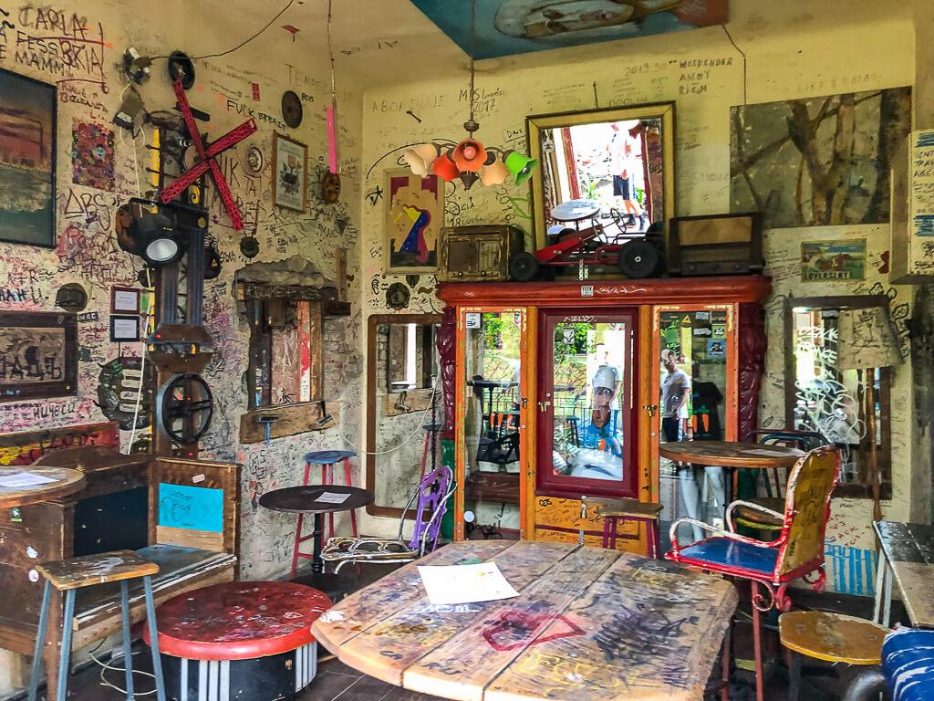 Artsy Ruin Pub furniture Szimpla Kert