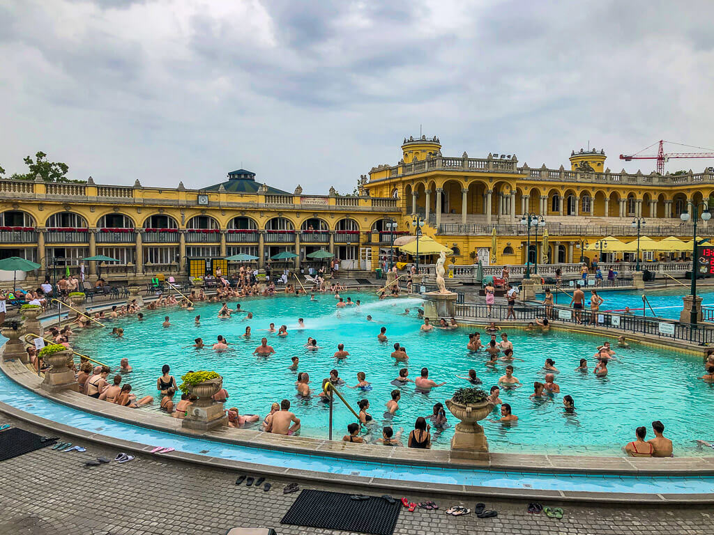 Szechenyi Baths in Budapest 4 days itinerary