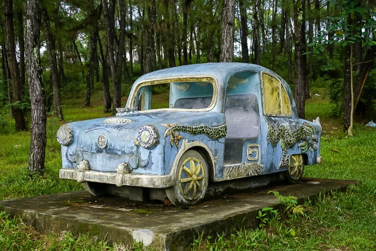 abandoned water park hue old blue stone car