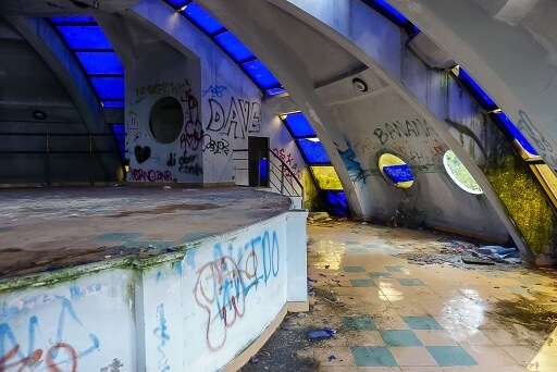 glass smashed on floor of abandoned dragon water park hue