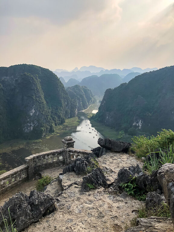 Ninh Binh itinerary view of nog dong river from Mua Cave