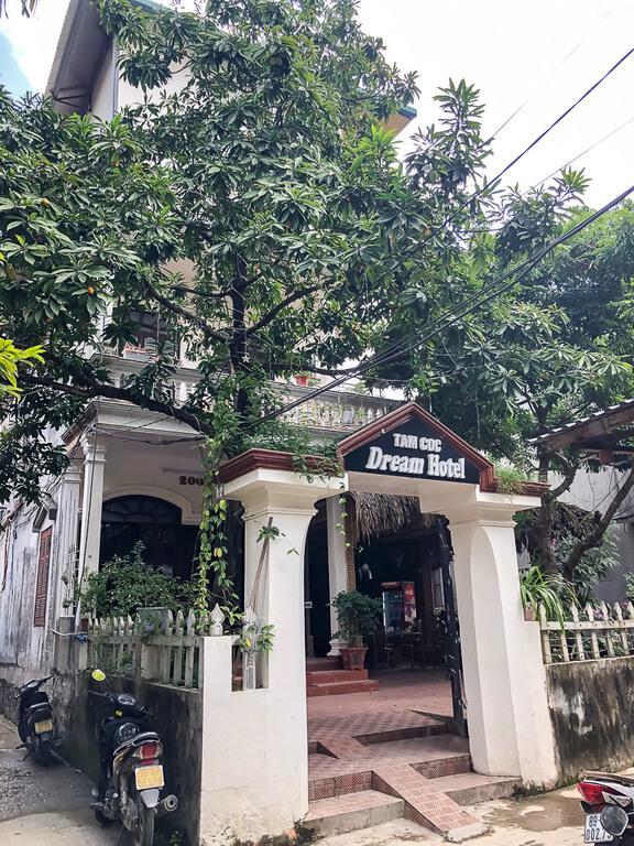 dream hotel Tam Coc entrance