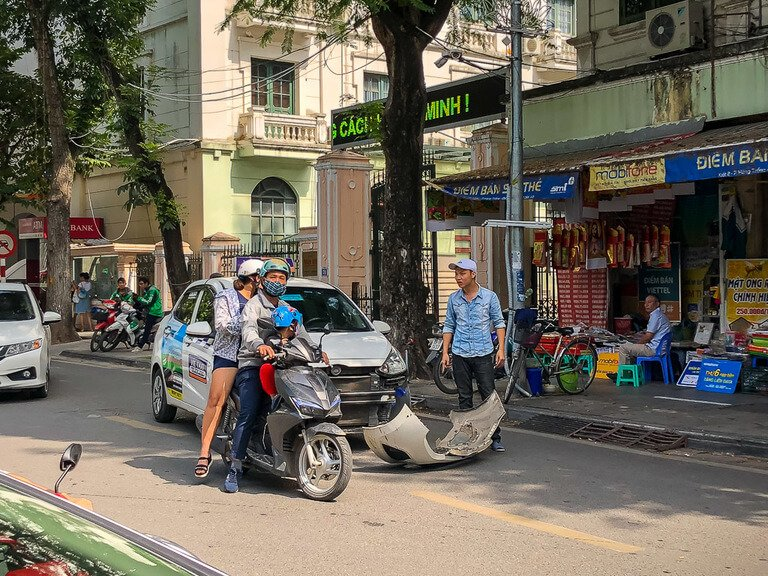 2 days in hanoi is enough when car and motorbike collision leading to argument in street