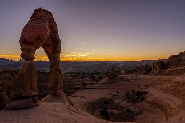 Twilight sunset delicate arch golden hour photography stunning colors and scenery